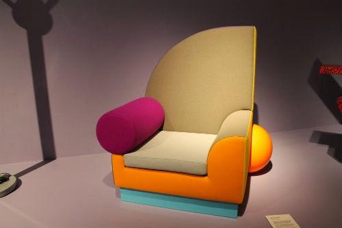 Näyttelyarvio: Postmodernismin lyhyt oppimäärä Designmuseossa