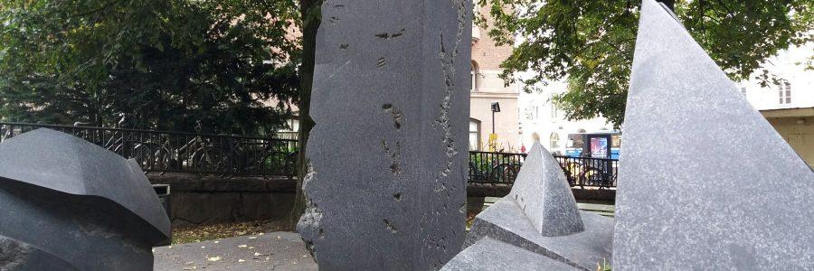 Mika Waltarin muistomerkit Helsingissä – museo puuttuu