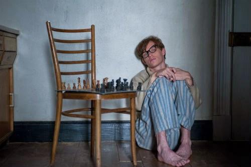 Elokuva-arvio: Kaiken teoria on liikuttava elämäkerta Stephen Hawkingista