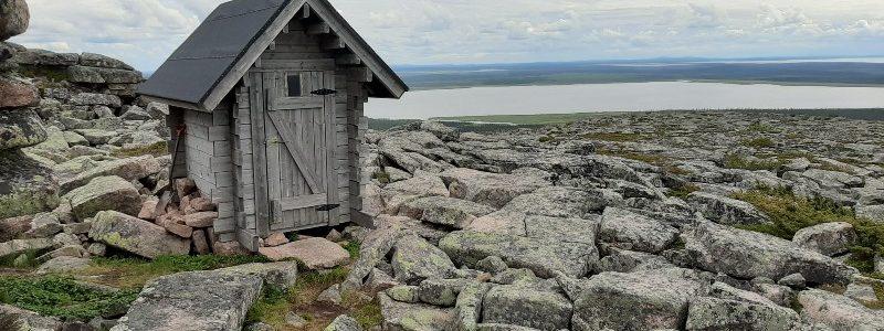 Onko Pyhä-Nattasen huussissa Suomen komeimmat näkymät?